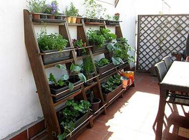 gemusegarten auf dem balkon gem segarten anlegen. Black Bedroom Furniture Sets. Home Design Ideas
